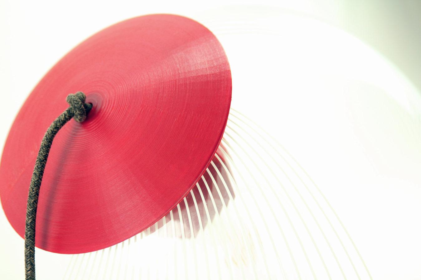 Kippot - Brignetti Longoni Design Studio - Seconda vita, riciclo, riuso, hacker, tradizione, innovazione, stampa 3d, autoproduzione, lampada, lampadario, antico, moderno, terra, tavolo, abs, cappello, kippah, ebrei, geometrie, dodecaedro, lampadina, paralume, vetro, base, cavo, elettrico, tessuto, decoro.