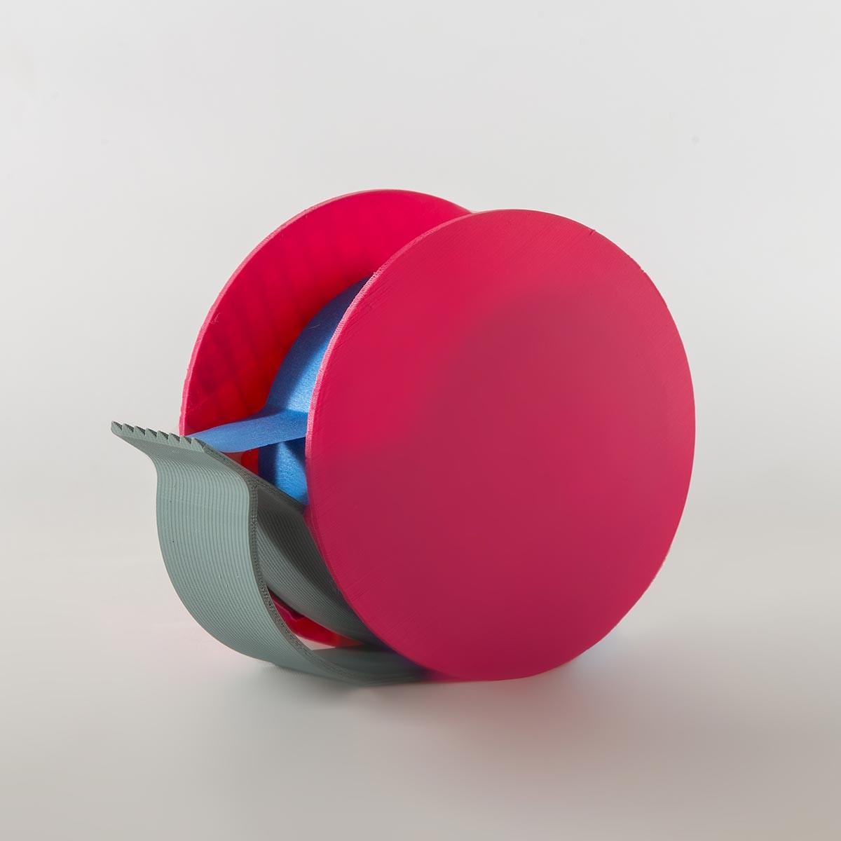 Rolly - Brignetti Longoni Design Studio - Porta scotch, design, prodotto, essenziale, lavoro, scrivania, dispenser, scotch, blu-tape, stampa 3D, elegante, minimale, colore, pla, riuso, riciclo, rispetto, ambiente, filamento, bio, autoproduzione, progetto, modello 3d, prototipo.