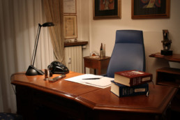 Studio Legale Belviso Palombo - lawyer desk and books