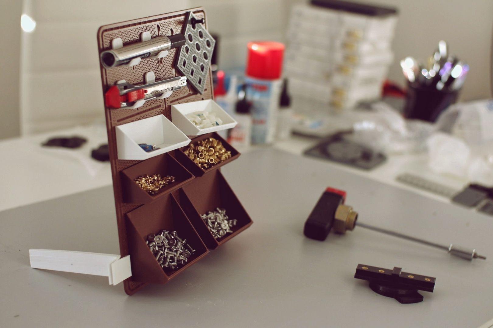 https://cults3d.com/en/3d-model/tool/sixpack-modular-bulletin-organizer