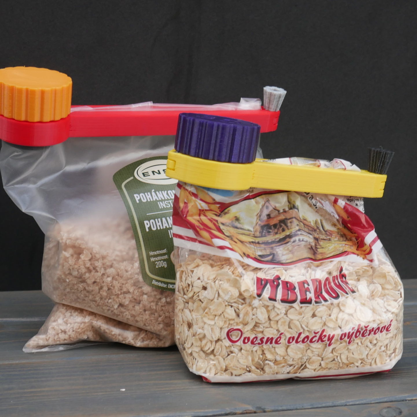 clever bag clips with dispenser