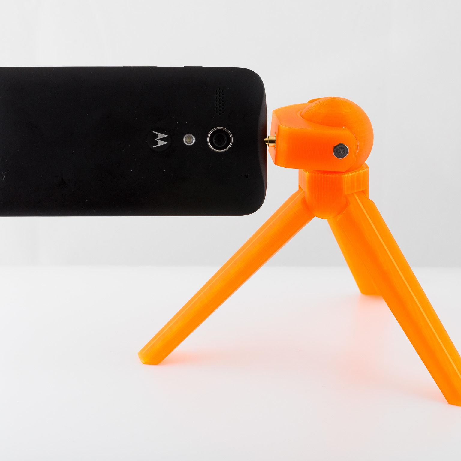 mini tripod with phone
