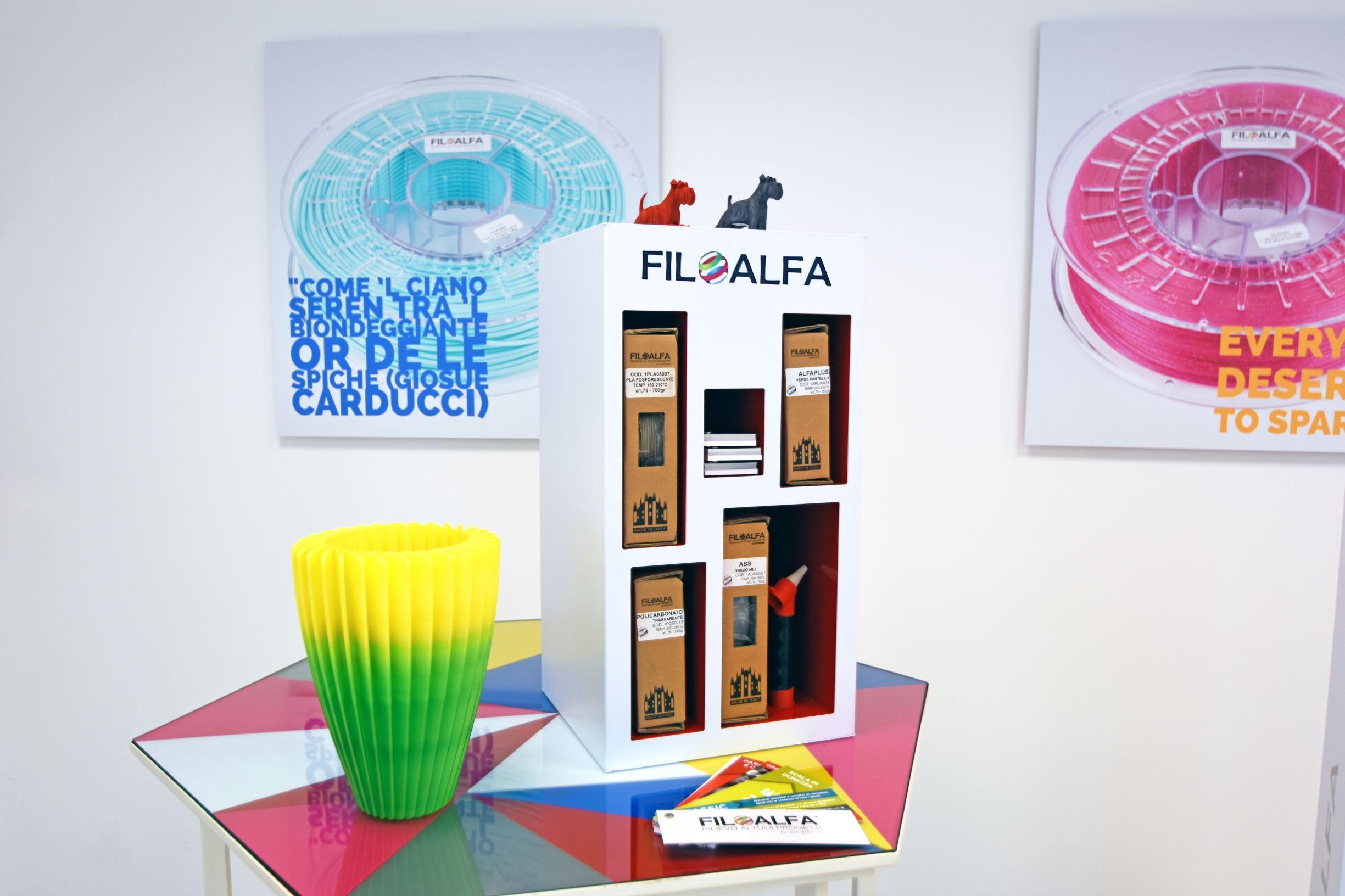 Espositore per prodotti e filamenti Filoalfa
